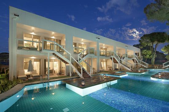 papillon zeugma luxury pool suite verucile genitale îndepărtate
